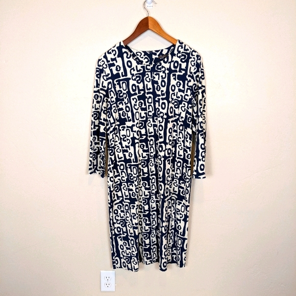 Jay McLaughlin Navy and White dress size XL